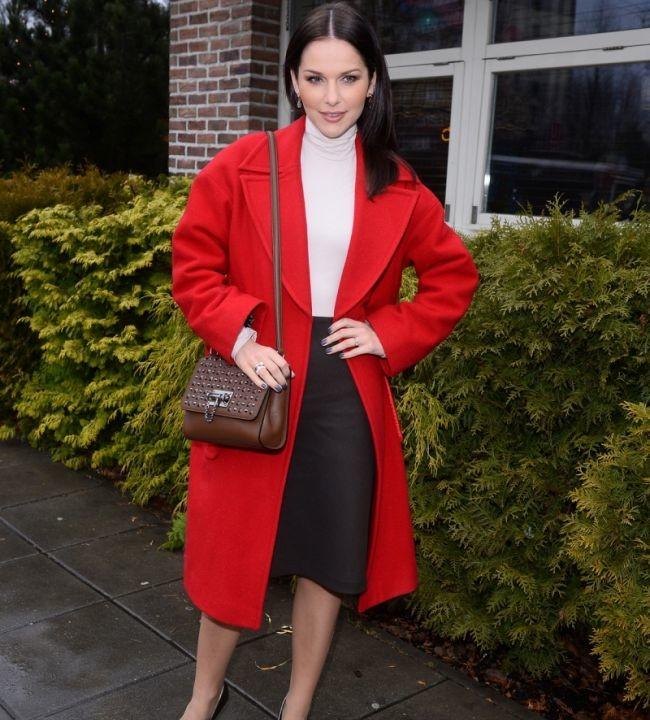 Paulina Sykut-Jeżyna w naszym płaszczu na noworocznym obiedzie dla dzieci w restauracji Jeff's!!!