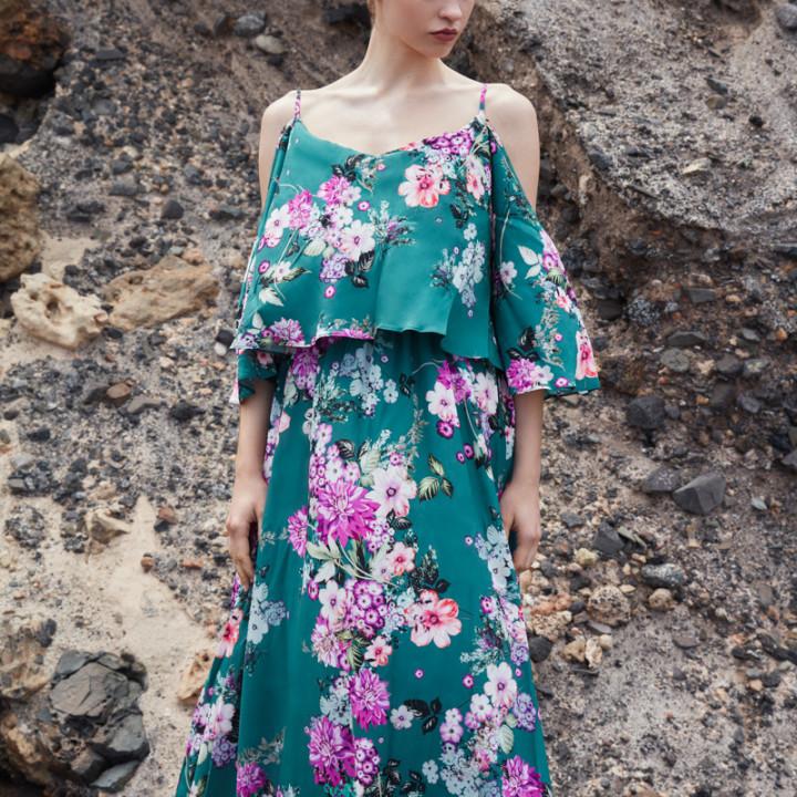 Zielona sukienka maxi w kwiaty