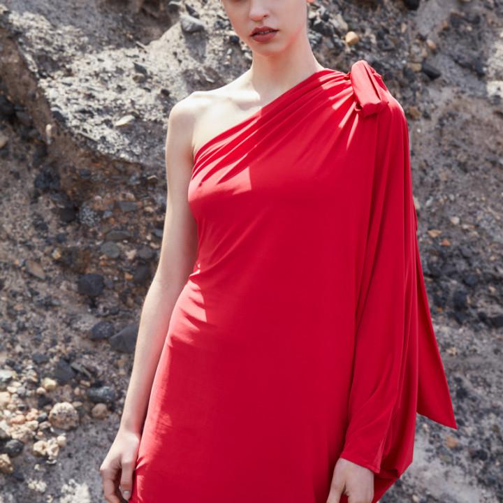 Dzianinowa sukienka na jedno ramię czarna/czerwona