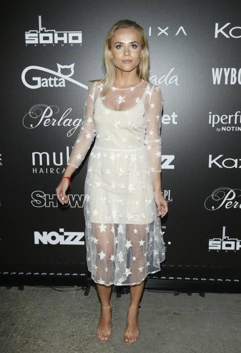 Sukienka szyfonowa w gwiazdki ecru